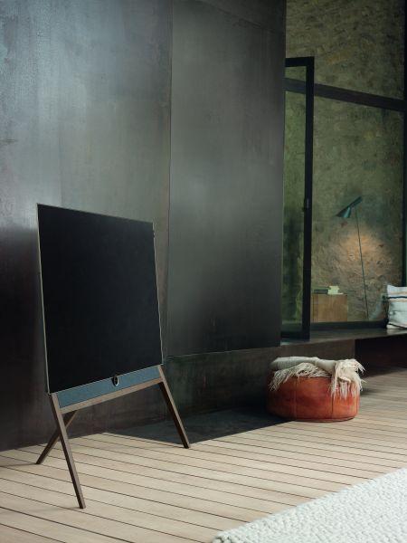 loewe bild 5 state of the art oled med retro design digitalt tv. Black Bedroom Furniture Sets. Home Design Ideas