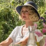 Fru Alice Frigh (Anette Støvelbæk) i 'Badehotellet'.