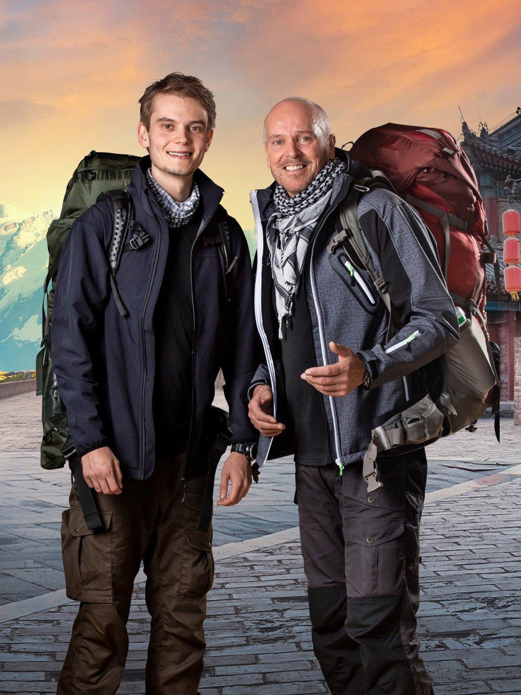 Søn Marco (tv) og far Claus (th). Først til verdens ende TV 2