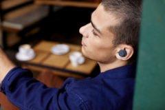 Photo of Gør du det også? Over 50% bruger øretelefoner uden lyd