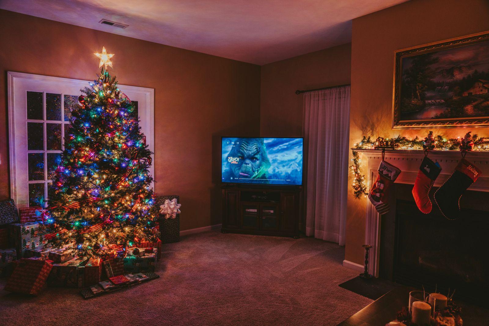 juletræ gaver tv
